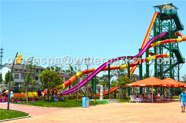 Customized Logo Commercial Spiral Water Slide High Speed For Water Entertainment